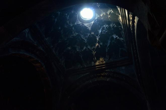 Světlo, tma a ornamenty