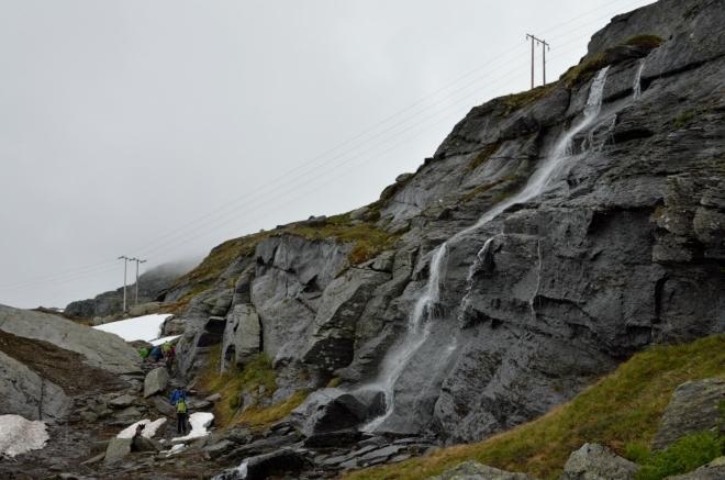 Další krásná ukázka norské přírody, škoda elektrického vedení, které tento pohled kazí.