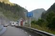 U vodopádu Låtefossen, Norsko