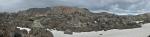 Panorama lávového pole a duhových hor
