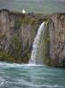 Vedlejší vodopádek u Goðafossu