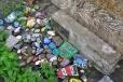 Upomínkové pietní místo je plné vymalovaných kamenů od trampských osad a skautských oddílů i jednotlivců. Velmi působivé!