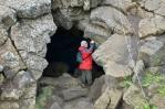 Další ze vstupů do jeskyní