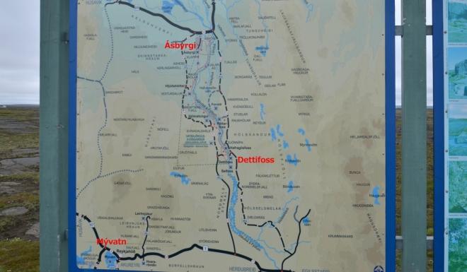 Mapa zajímavostí v okolí Dettifossu. Mývatn je vlevo dole, Dettifoss uprostřed a Ásbyrgi na severu