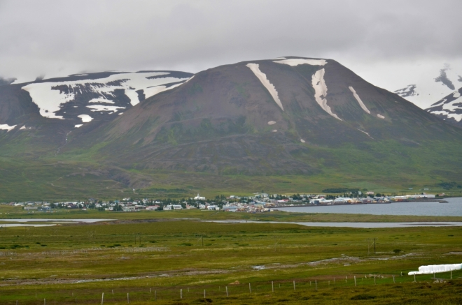 Dalvík, městečko se zhruba 1400 obyvateli na pobřeží Eyjafjörðuru