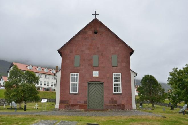Vstup do kostela