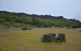 Zde to vypadá jako staré kamenné stoly, u nichž se scházely náčelníci