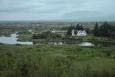 Kostelík a domky v Thingvelliru. Jak vidíte, již padá šero.