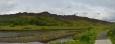 Ranní panorama Thingvelliru, pravá část. Vpravo je místo s vlajkou, kde se kdysi prý scházel parlament.