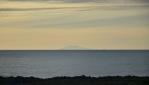 Sopka Snæfellsjökull s ledovcem nás krásně přivítala na Islandu při přistání (za půlnoních červánků) a nyní se s námi Island jejím prostřednictvím i loučí.