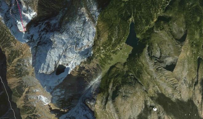 Letecký pohled na jezera Laghi di Bombasèl a Lago Lagorai.