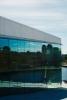 Centrum Osla v odrazu ve stěně Nové budovy Opery