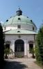 Osmiboká rotunda s bohatou vnitřní štukovou výzdobou láká návštěvníky především Foucaltovým kyvadlem, které demonstruje otáčení planety Země. Kyvadlo bylo umístěno v rotundě v roce 1908 díky gymnaziálnímu profesorovi a nadšenému fyzikovi a astronomovi Františku Nábělkovi. Jedná se o největší model kyvadla v ČR. (Wikipedie)