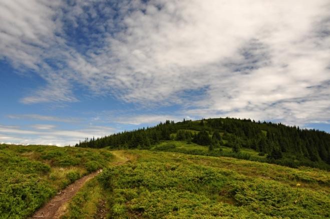 Před nosem se natřásá Tanečnica (1 680 m n. m.).