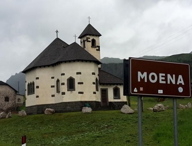 Kostelík v San Pellegrinu.