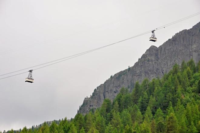 Lanovka na Col Margharita uveze snad padesát osob.