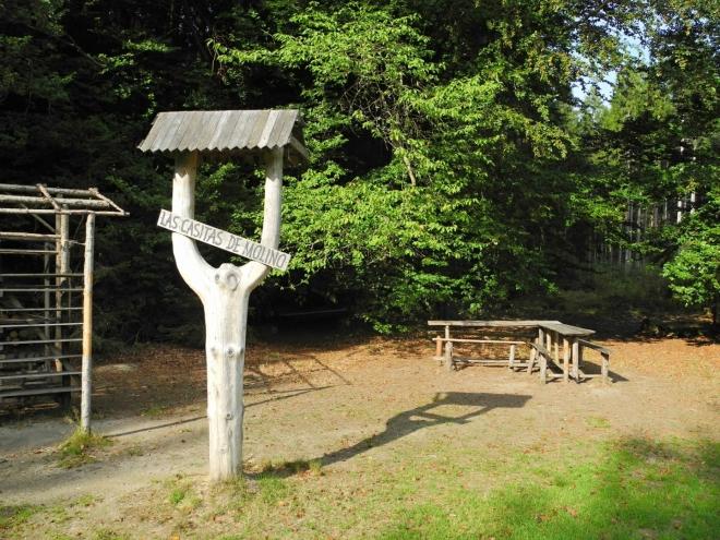 Las Casitas de Molino u bývalé Nové Hutě je zřejmě skautský tábor, v září již složený.