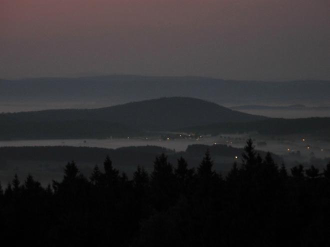 Světla loučí z Schwanhofu signalizují mnohé...