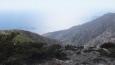 tam někde dole u moře po zhruba 20 kilometrech je zátoka s klášterem ...