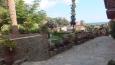 část klásterní zahrady ...
