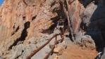kostelík v jeskyni pár metrů nad mořem ...