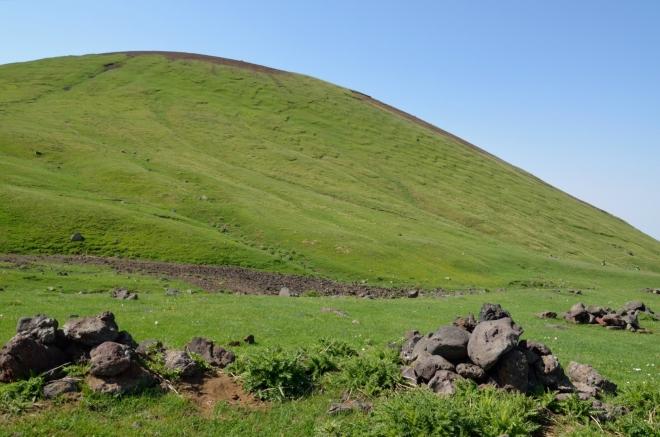 Čerstvě obejitý Nalsar. Jsme již ve vrcholové části Gegham.