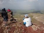 Na vrcholu Aždahak (3597 m) v pohoří Geghamy, Arménie