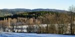 Vzadu hřeben Blanského lesa s Buglatou (831 m n. m.)