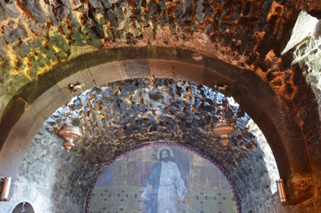 Nějaké interiéry mimo hlavní kapli. Přes zástupy lidí je těžké fotit cokoliv jiného než stropy.