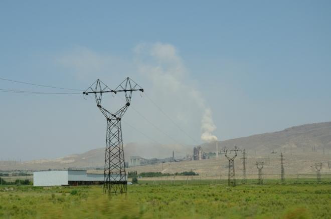 Araratskou rovinou ujíždíme dále na jihovýchod.