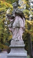 Sochy na mostu u hradu Valdštejn...