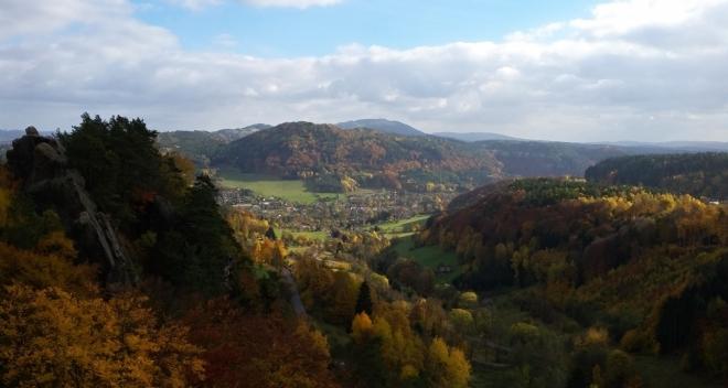 Pohledy z hradu Frýdštejna.