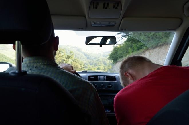 Spící Tomáš se často plete do řízení.