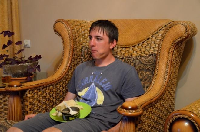 Skromná večeře v luxusním křesle
