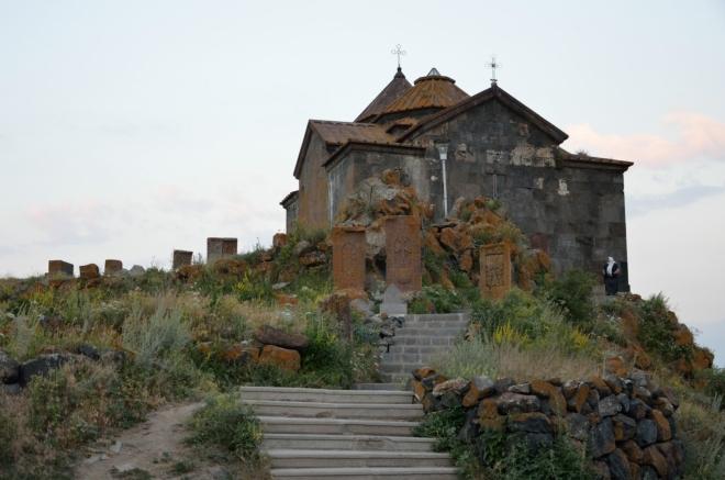 Na první pohled vypadá toto místo velmi nadějně, počet návštěvníků se pohybuje kolem nuly. Takhle opuštěný klášter jsme ještě neviděli.