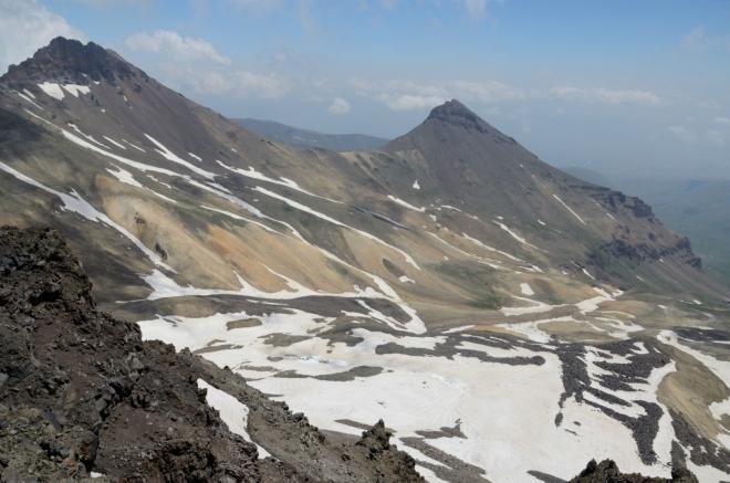 Severní a východní vrchol