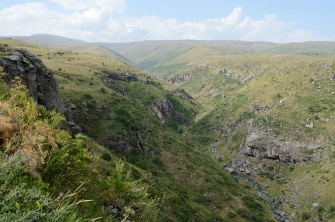 Další údolí