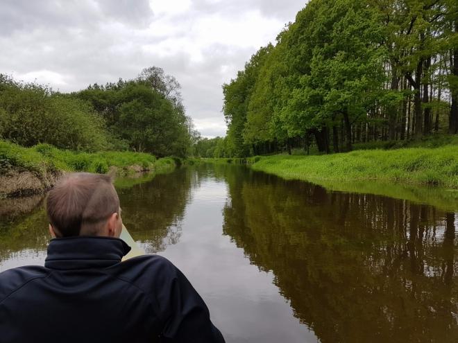 Nová řeka je poněkud nudná. A moc neteče. Kanál byl budován v letech 1585–1587 Jakubem Krčínem.