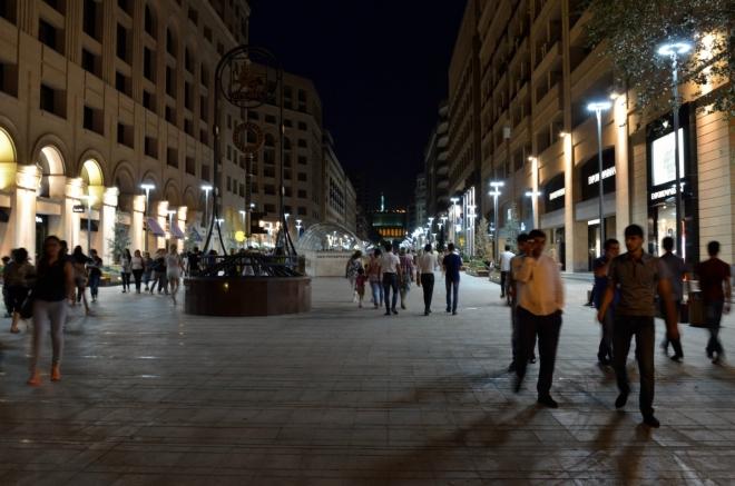Severní třída nás, jak název napovídá, vede na sever. Tato ulice zhruba spojuje náměstí Republiky s náměstím Svobody při Operním divadlu.