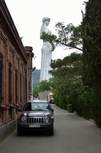 K Matce jsme se již vypravili sami. Socha byla vztyčena v roce 1958 na oslavu 1500 let od založení Tbilisi.