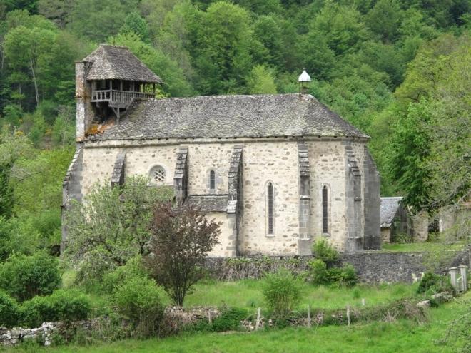 Kostel St-Marti v Trémouille. Domeček místo věže.