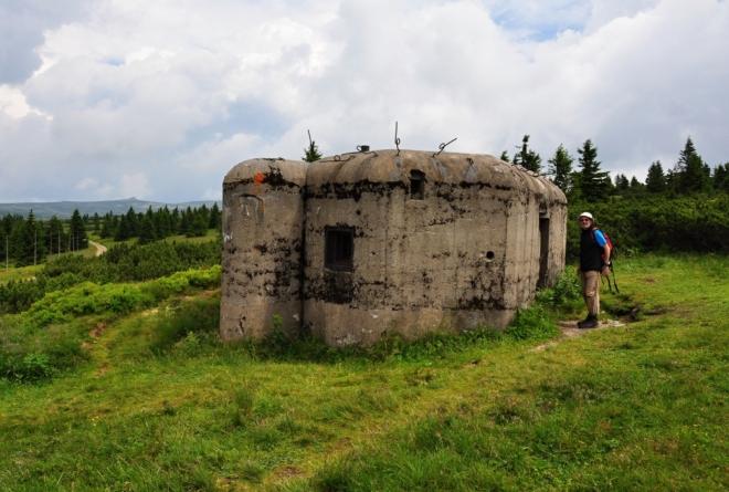 Při bouřce lze využít úkryt v bunkru. Přemýšlíme, je-li to bezpečné.