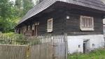 Habovka se mění, ale některé původní domy stále zůstávají.