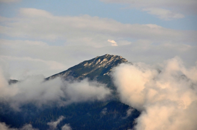 Večerní Sivý vrch od našeho penzionu v Habovce přitažený zoomem 200mm.