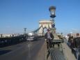 Momentka na Řetězovém mostě v Budapešti