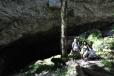 Míjíme několik jeskyní...