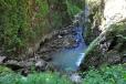 Vodopád dotváří úžasnou atmosféru pozemského ráje...
