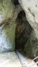 Peştera Poarta. Další jeskyně bez výzdoby krápníky. Na ty bychom museli navštívit jeskyni u města Mezian. Ale zítra nebude na nic čas.