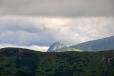 Kominiarsky vrch (1 829 m n. m. ) se objevil vysoko nad Rákoní.