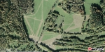 Detailní letecké foto odhalí i to, že bývalá políčka nad Rovencemi  obhospodařují dnes především vojáci.